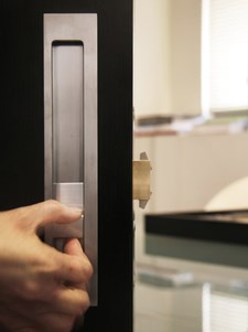 Pivot/Hinge Grip Door Hardware